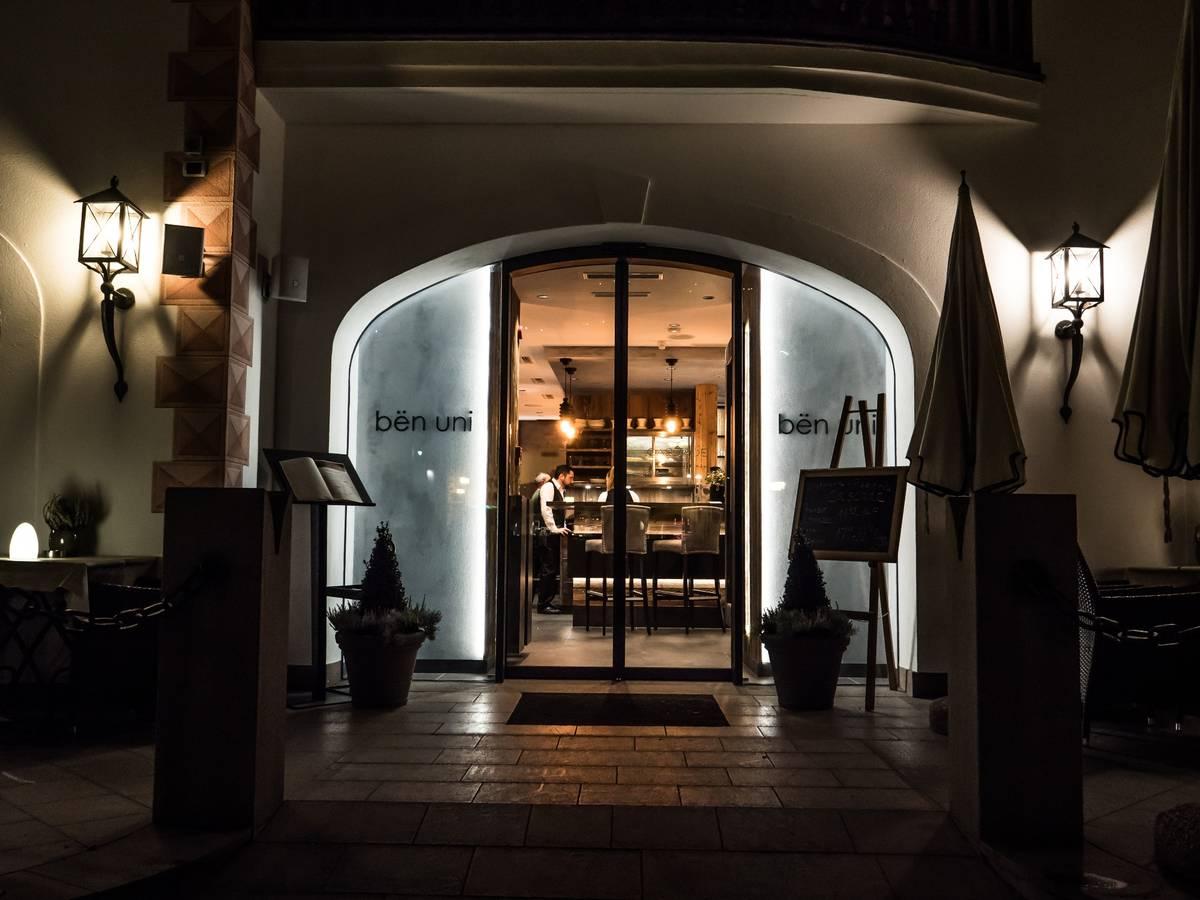 Cascade wolkenstein gr den dolomiten for Boutique hotel dolomiten