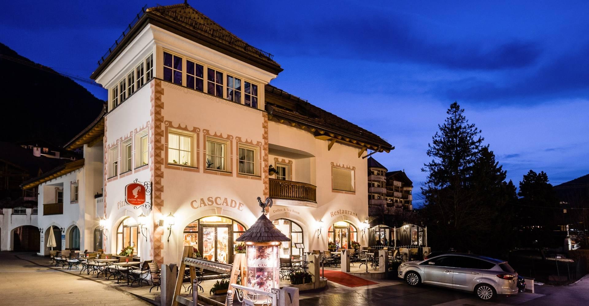 Restaurants wolkenstein gr den dolomiten for Boutique hotel dolomiten