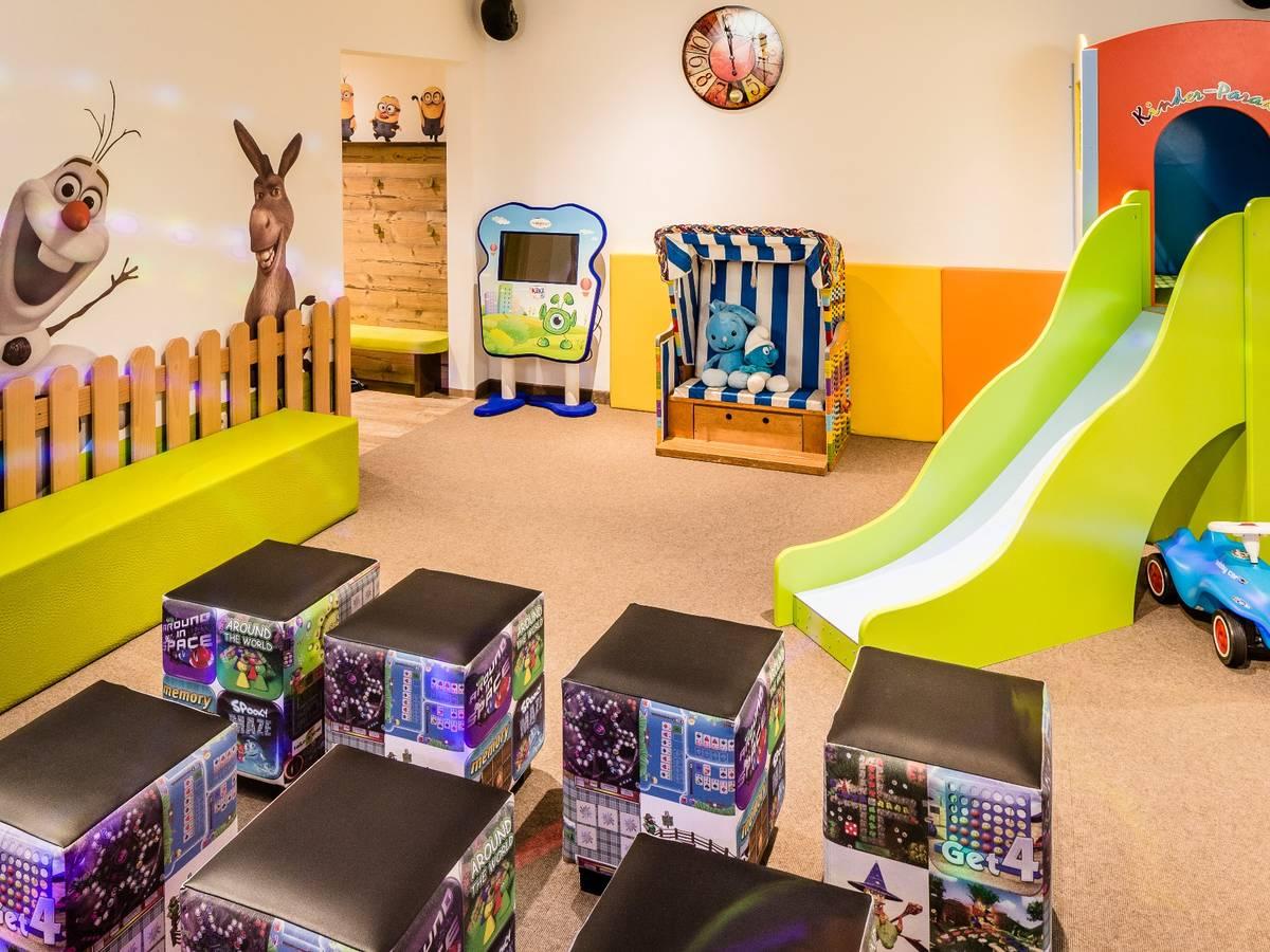 Sala Giochi Per Bambini : Bambini romantic family hotel gardenia selva di val gardena